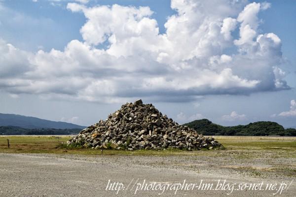 2013_瓦礫の山_01.jpg