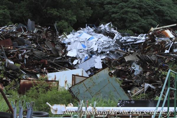 2013_産業廃棄物の憂鬱_01.jpg